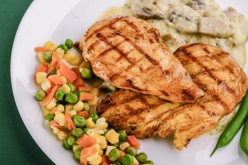 7 idées de repas sains à base de poulet pour toute la famille.